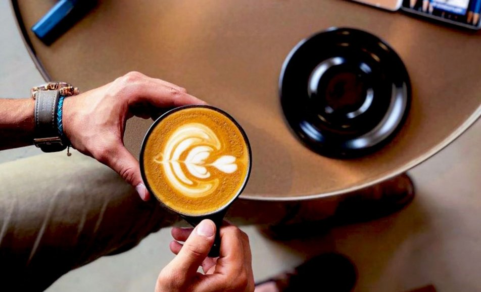 Azur Coffee   أزور كافيه