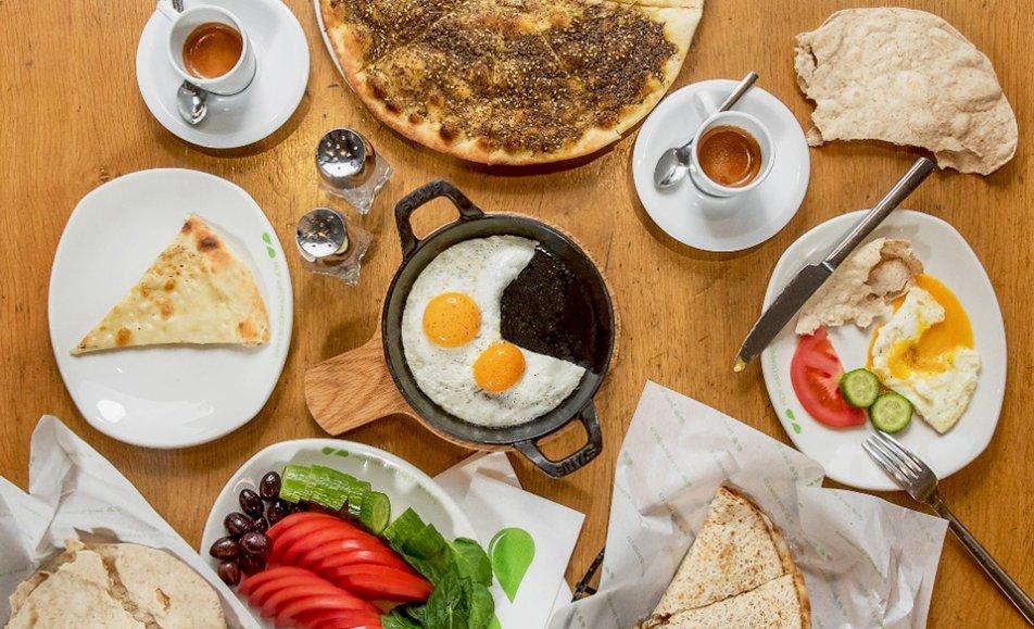 Zaatar W Zeit   مطعم زعتر وزيت